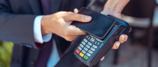 Płatności telefonem to spore ułatwienie