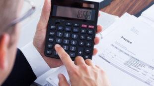 Opóźnienie w płatności rachunków i faktur co nam grozi?