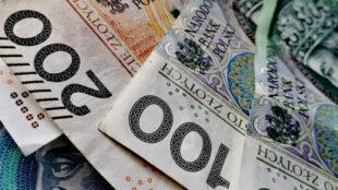 jak dostać debet w bankomacie?